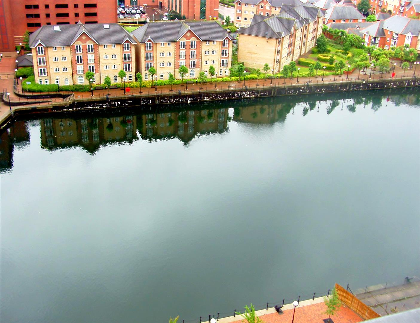 2 Bedrooms Flat for sale in Millennium Towers, The Quays, Salford Quays